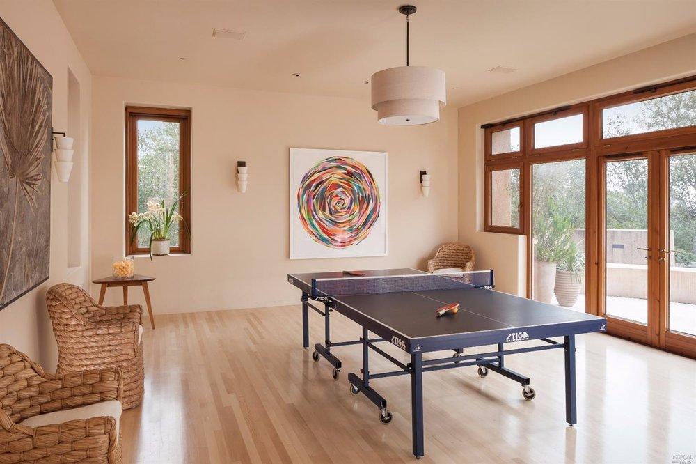 Klein Ping Pong.jpg