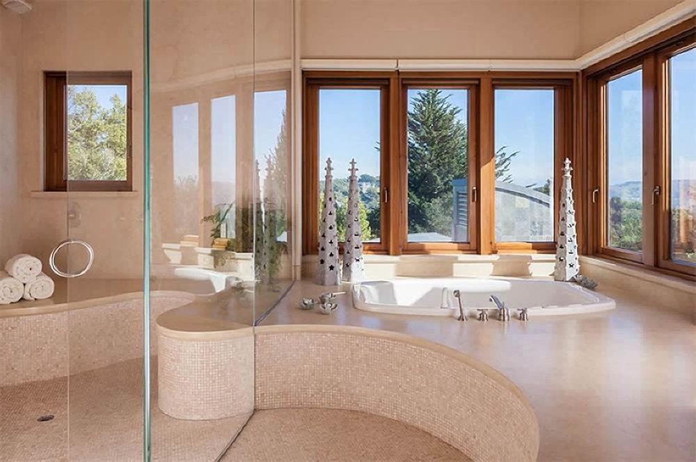 Klein Bath.jpg