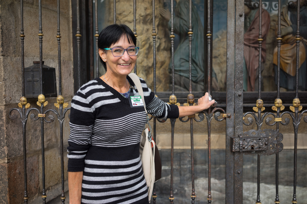 Tour Guide extrordinaire Jitka Bilkoba at the Angel gate in Pilsen