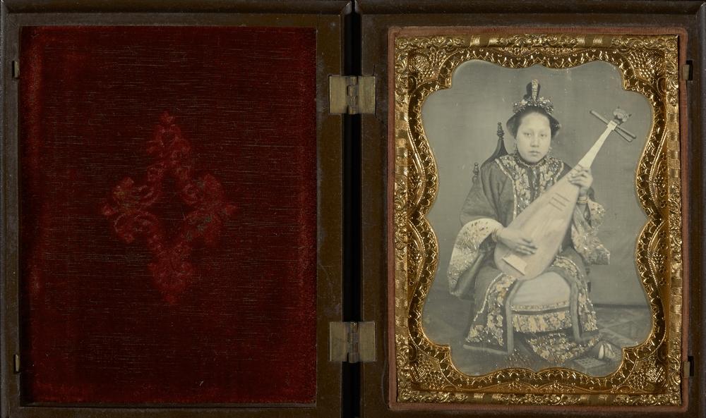 """Рис.23 """"Портрет женщины с мандолиной"""" (автор неизвестен), 1860 г."""