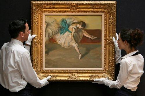 """Рис.5 Эдгар Дега """"Отдыхающая танцовщица"""", аукцион Сотби, 3 Ноября 2008 г."""
