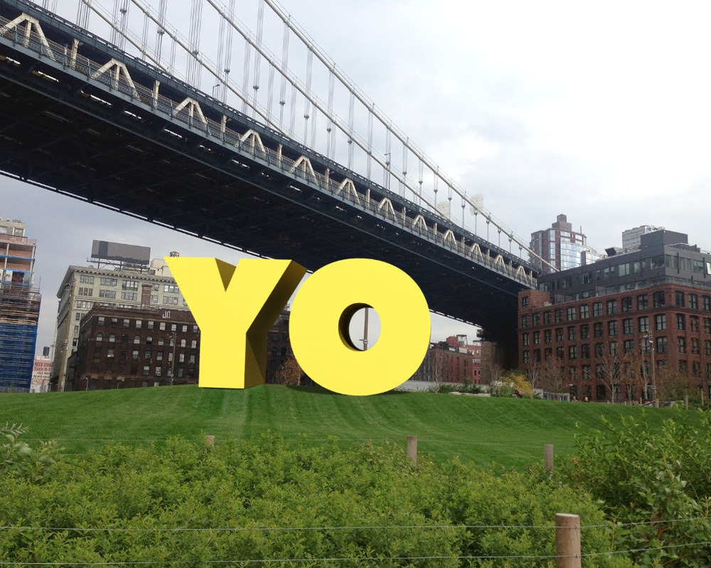 Deborah Kass. OY/YO, 2015. Brooklyn Bridge Park. Photo: Etienne Frossard, © Deborah Kass, courtesy Two Trees Management Co.