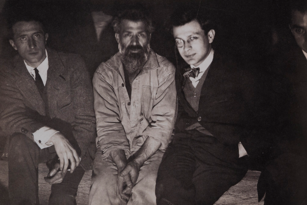 Duchamp, Brancusi and Tristan Tzara in the studio, 1921, photograph. © Succession Brancusi - All rights reserved ADAGP, Paris/Artists Rights Society (ARS), New York.