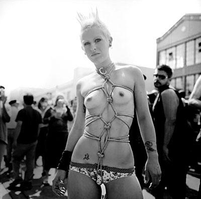 06jap bondage elizabeth.jpg