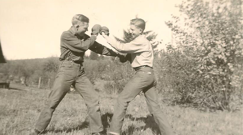 Red & his brother Don, were convinced their future was in prize fighting.