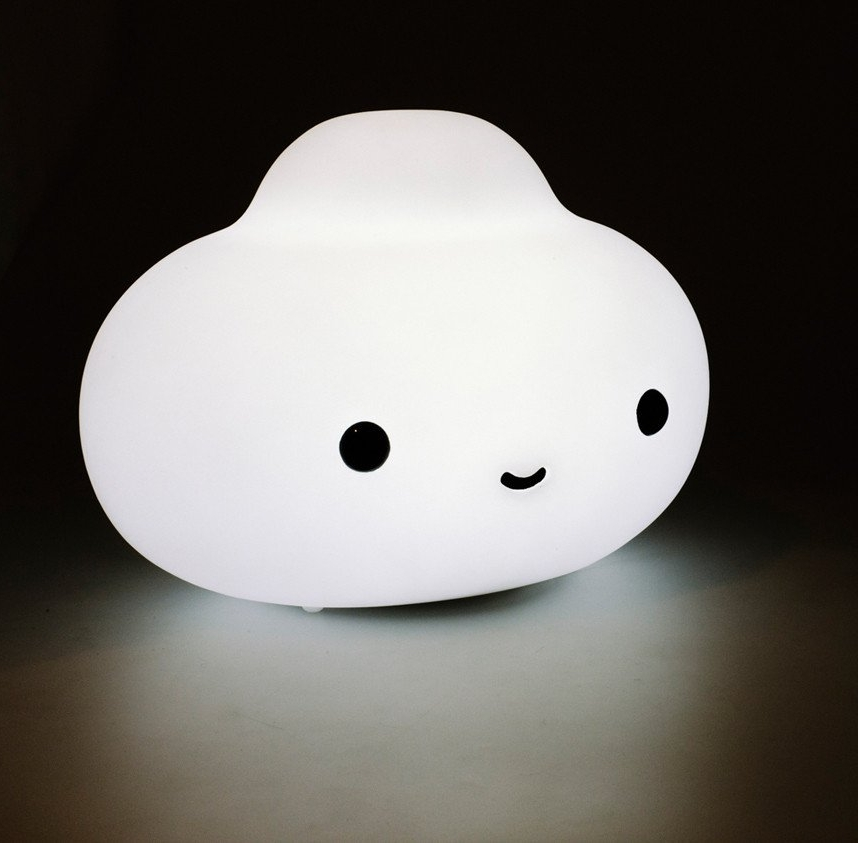 Little Cloud  lamp. Photo courtesy of FriendsWithYou.