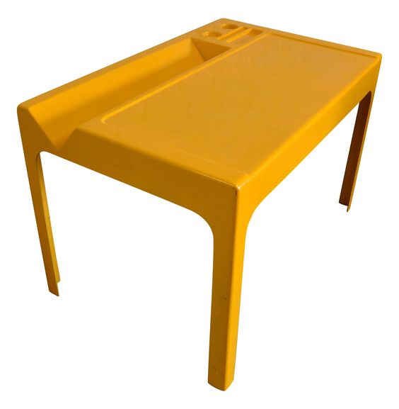 Ozoo Desk by Marc Berthier, 1970s. Image via  http://www.design-mkt.com/ .