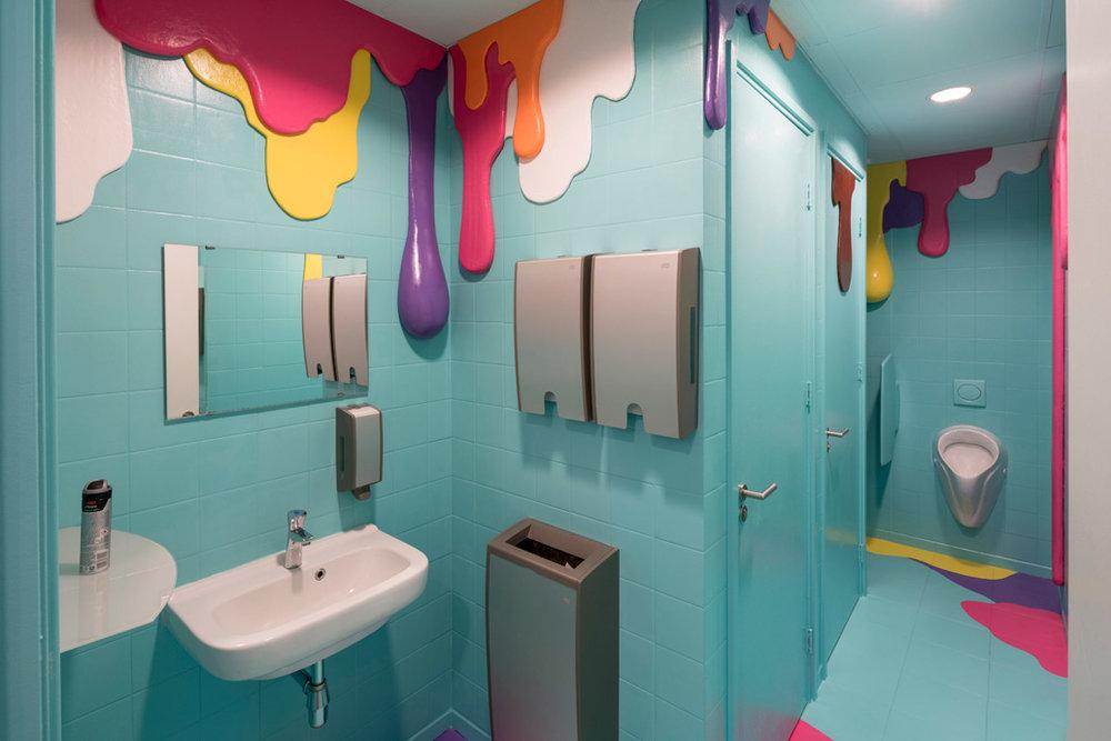 WC Wonderland, Happy Drips and Stains,2016. Photo via studiomaky.com.
