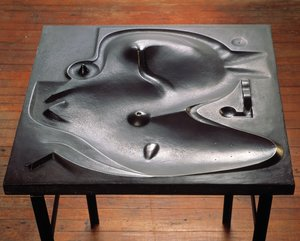 Isamu Noguchi, Contoured Playground, 1941. Bronze (cast 1964). Photo by Kevin Noble
