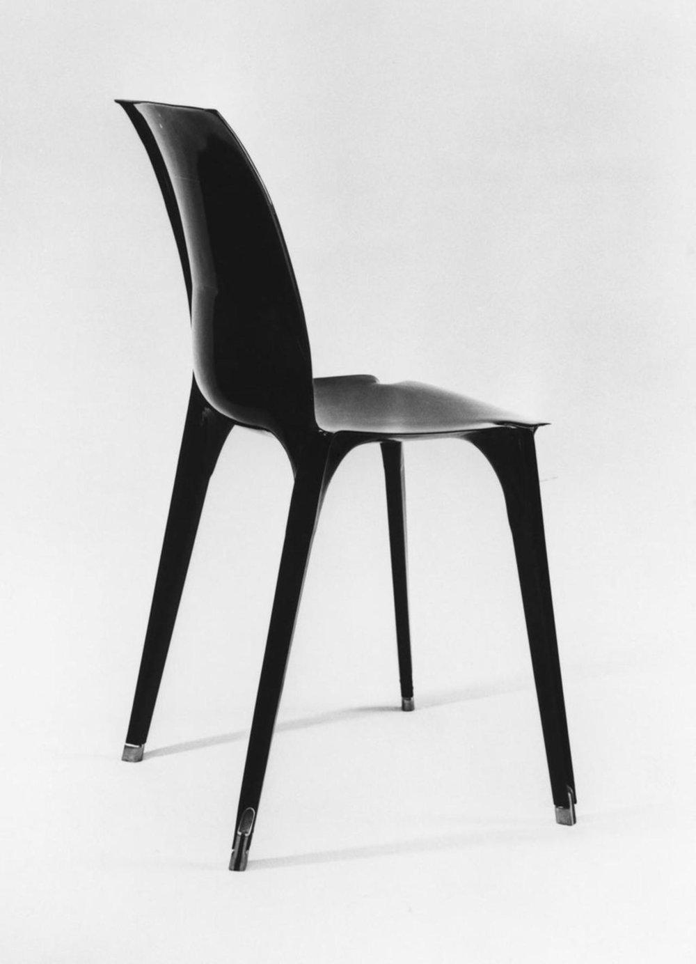 Lambda Chair by Marco Zanuso and Richard Sapper, 1963. Photo via richardsapperdesign.com .