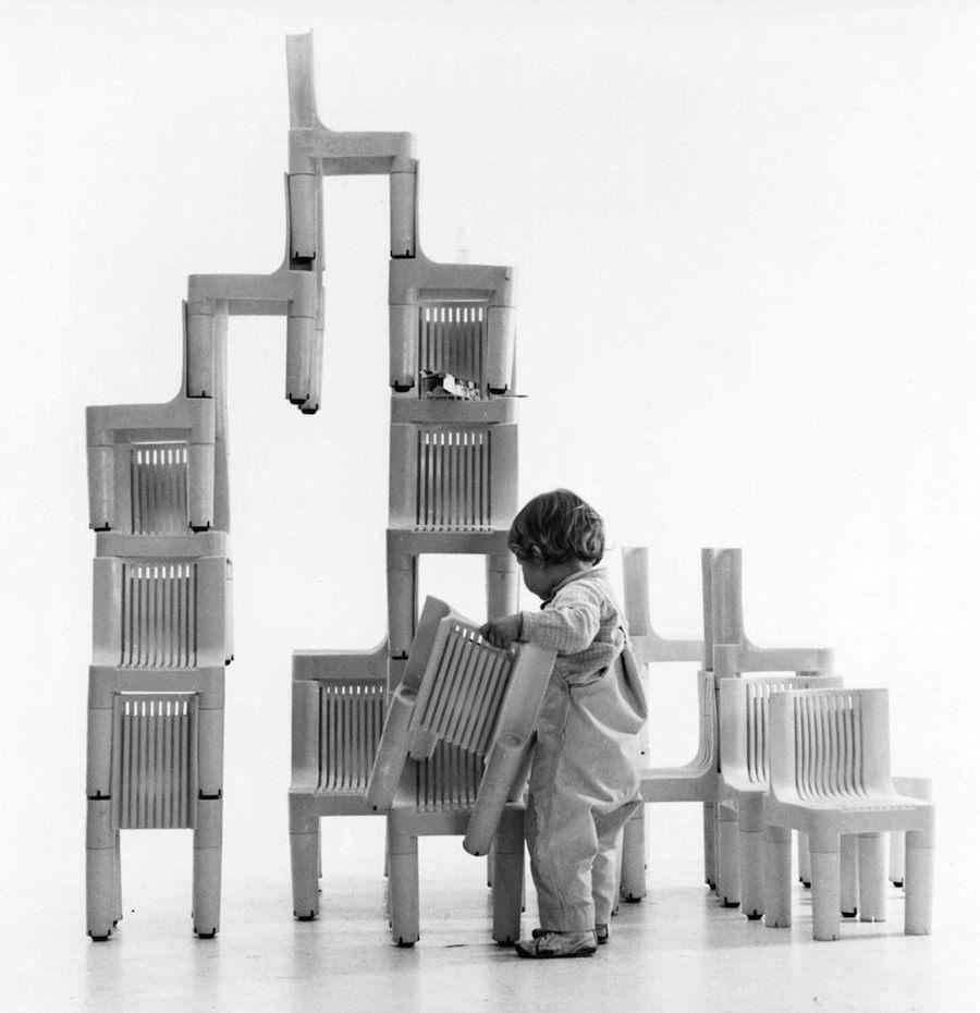 K1340 Chair for Kartell by Marco Zanuso and RIchard Sapper, 1963. Photo via  richardsapperdesign.com .