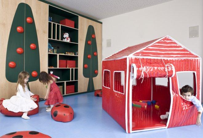 Ramat Hasharon Kindergarten. Photo via  shanihay.com .