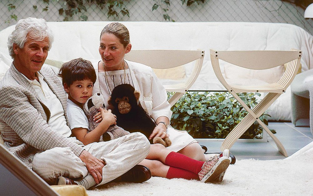 Pierre, Benjamin and Maïa Paulin sitting in a Tapis Siege, circa 1982. Photo via  paulinpaulinpaulin.com