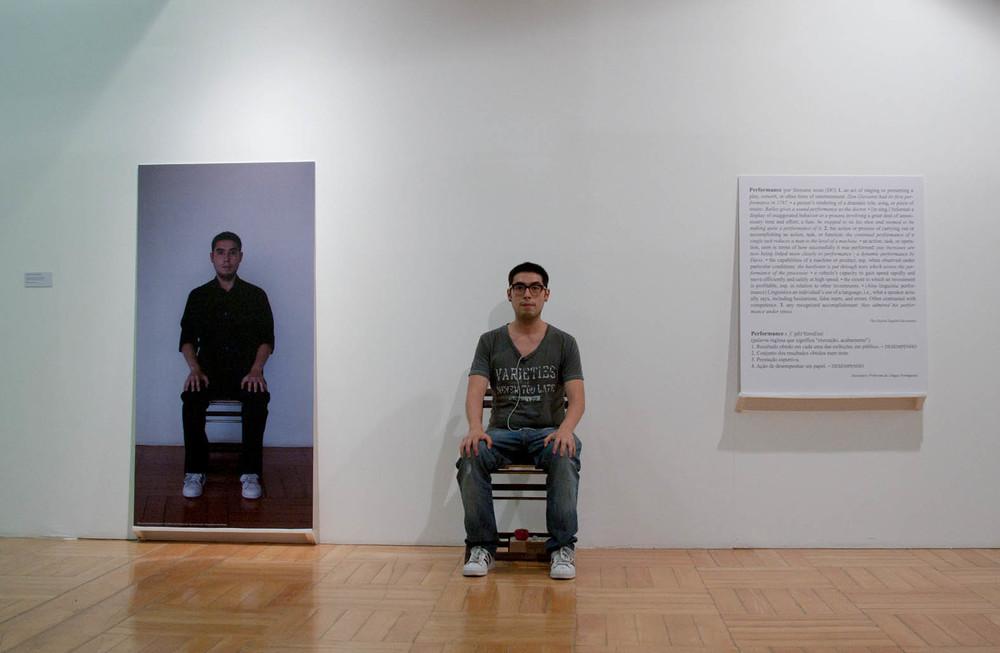 Monroy's Performance Art Services No. 1 SeñorKosuth, ¿  Qué haría Usted?      2012