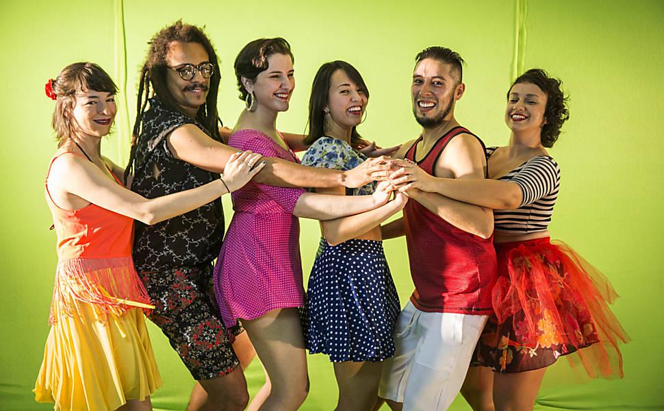 Olivia, Rafa, Auddrey, Nanda, Danielle e Monroy no Trensinho Lambateiro