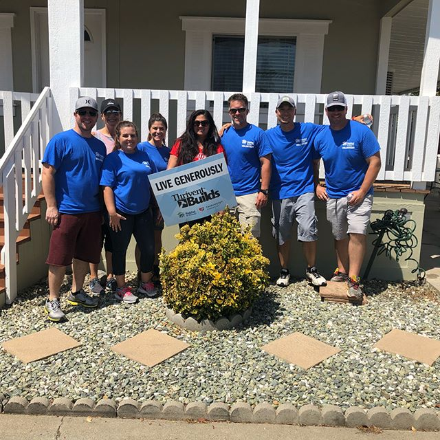 Thanks so much to the AMAZING volunteers from @redfinrealestate who came out this weekend to help us paint the exterior of a home for a senior homeowner in Sun City!  Thanks so much to @thrivent for sponsoring the event, we couldn't have done it without you!  Lastly a BIG shout out to all of our volunteers and sponsors for doing such a great job. Learn how you can volunteer at www.habitativ.org/volunteer  #Volunteer #HabitatforHumanity #Thrivent #LiveGenerously #Volunteering #ValsparPaint