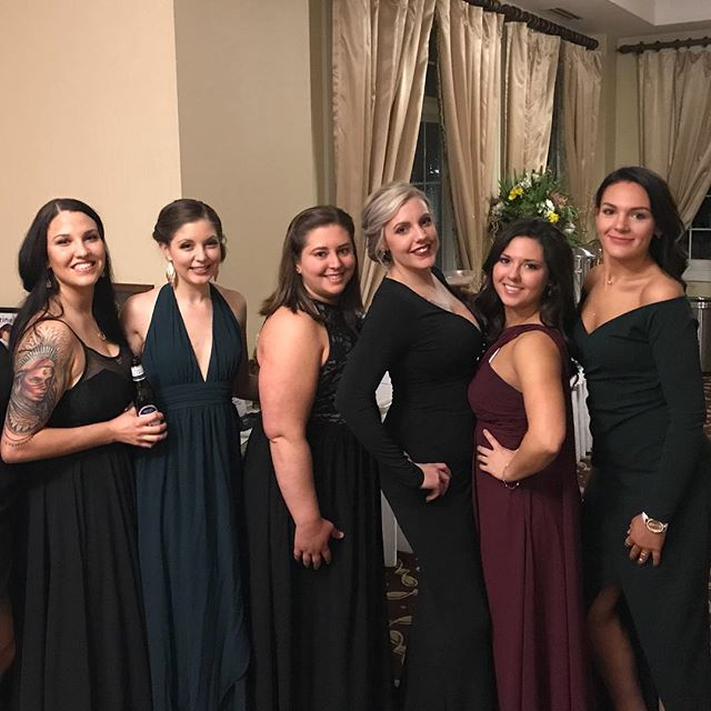 "These ladies✨ The ones who took a chance and said ""yes"" to something new. The ones who decided they were done living in an unhealthy slump and chose to do something about it instead. The ones who wanted to lose weight, eat less crap, remove the toxins, gain energy, make money, pay off debt, and then have a pretty fun group of friends to do it all with to stay motivated, too. These are just a few of the hundreds on my team now. And I am so grateful for each and every one of the ladies (and men) continuing to say ""yes"" with me. #isashinesquad✨"