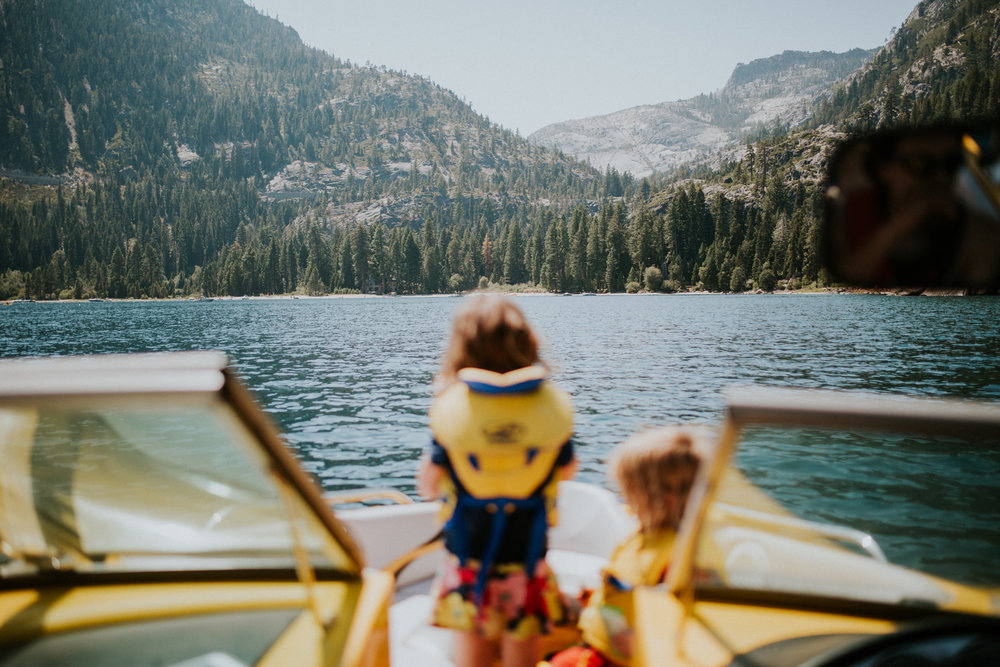 lake-tahoe-family-boating