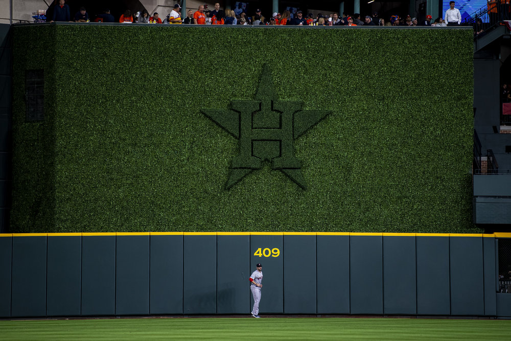 October 17, 2018, Houston, TX: Boston Red Sox outfielder J.D. Martinez goes through his pregame ritual of running out to center field before the Boston Red Sox face the Houston Astros in Game 4 of the ALCS at Minute Maid Park in Houston, Texas on Wednesday, October 17, 2018. (Photo by Matthew Thomas/Boston Red Sox)
