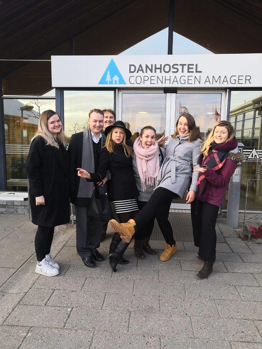 To FNUF'ere deltog i NSU's kursus: Emma Jacobsson og Dag Henrik Nygård (nr. et og to fra venstre).