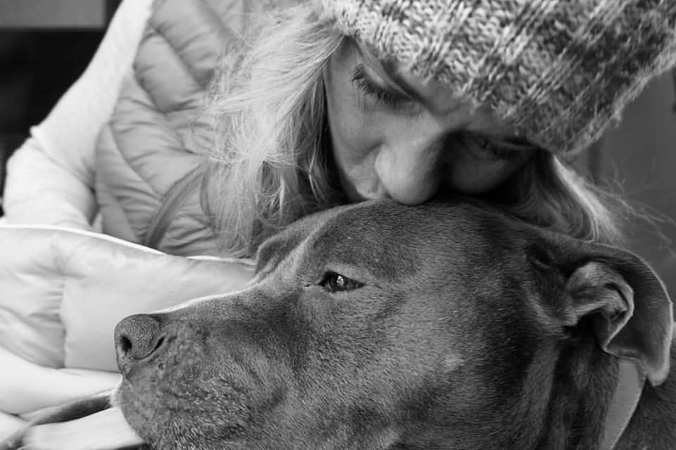 Lindsey Richter & her pit bull Gracie