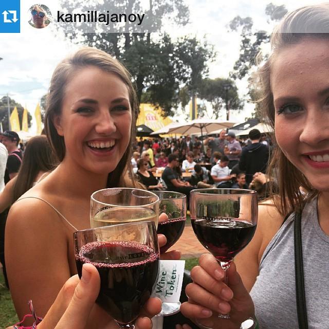Annnnd caption of the day goes to... Kamilla! 📷: @kamillajanoy La festa is da besta #welovelafesta
