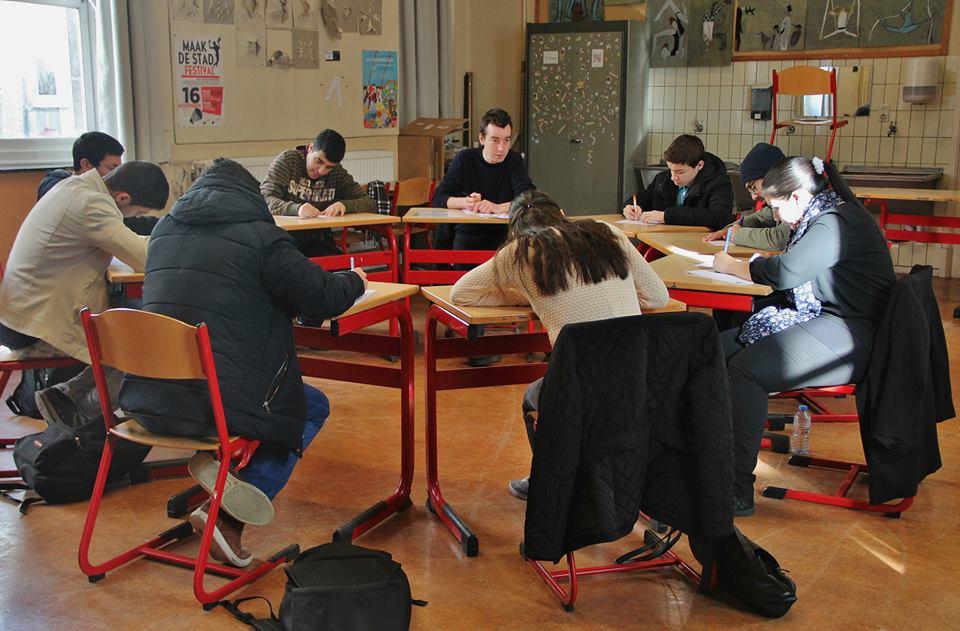 ronde tafel in klas.jpg