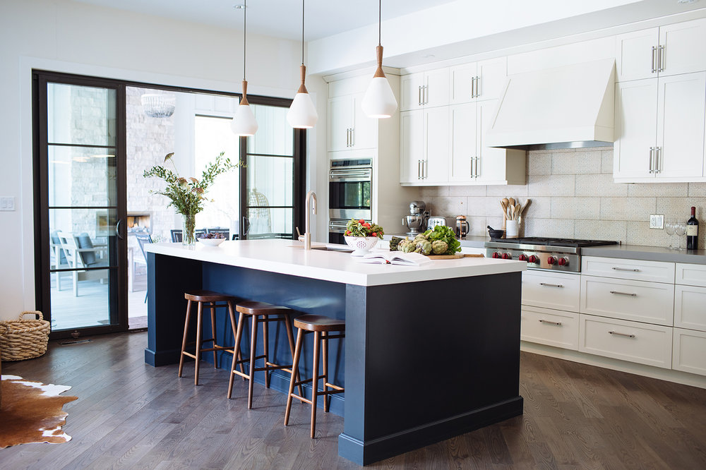 modern-farmhouse.jpg shaker kitchen craft modern country plymouth seashell gun metal
