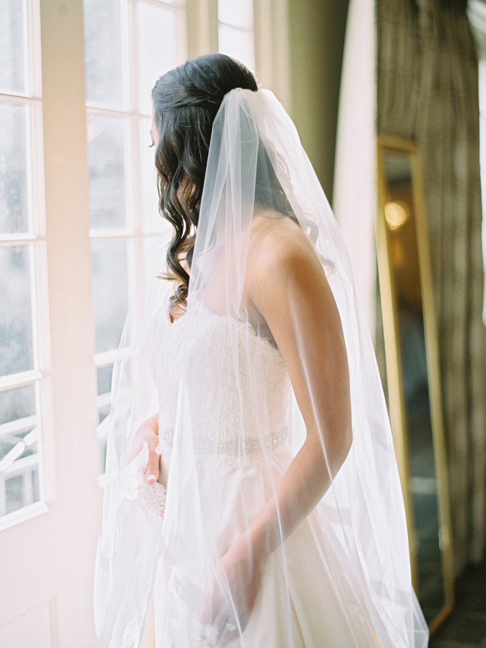Wedding Planning | New Orleans Wedding | French Quarter Wedding | Sapphire Events | Ryan Ray Photography | White and Green Wedding | Formal Black Tie Wedding | Monique Lhuillier Dress | Long Curls | Bridal Portrait