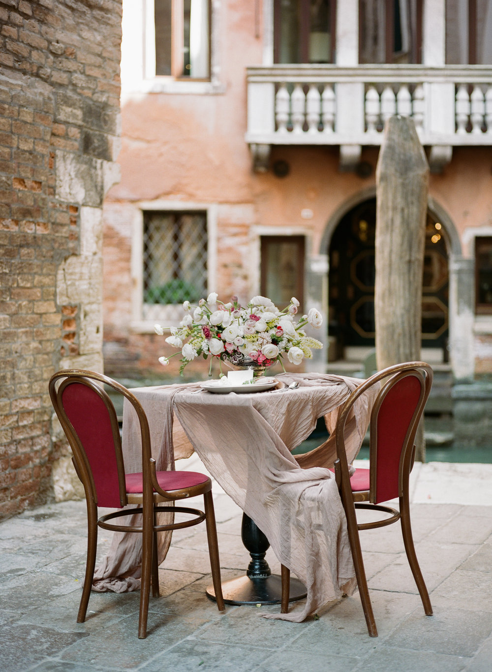 Sapphire Events | Archetype Studios | Venice Inspiration | Red and Pink wedding | Sweetheart Table Ideas | Outdoor Wedding | Charleston Wedding | Wedding Planning Tips | What to do after the ring | Engagement Inspiration | Wedding Planning Inspiration | Best Wedding Planner in New Orleans | Essential Engagement Tips
