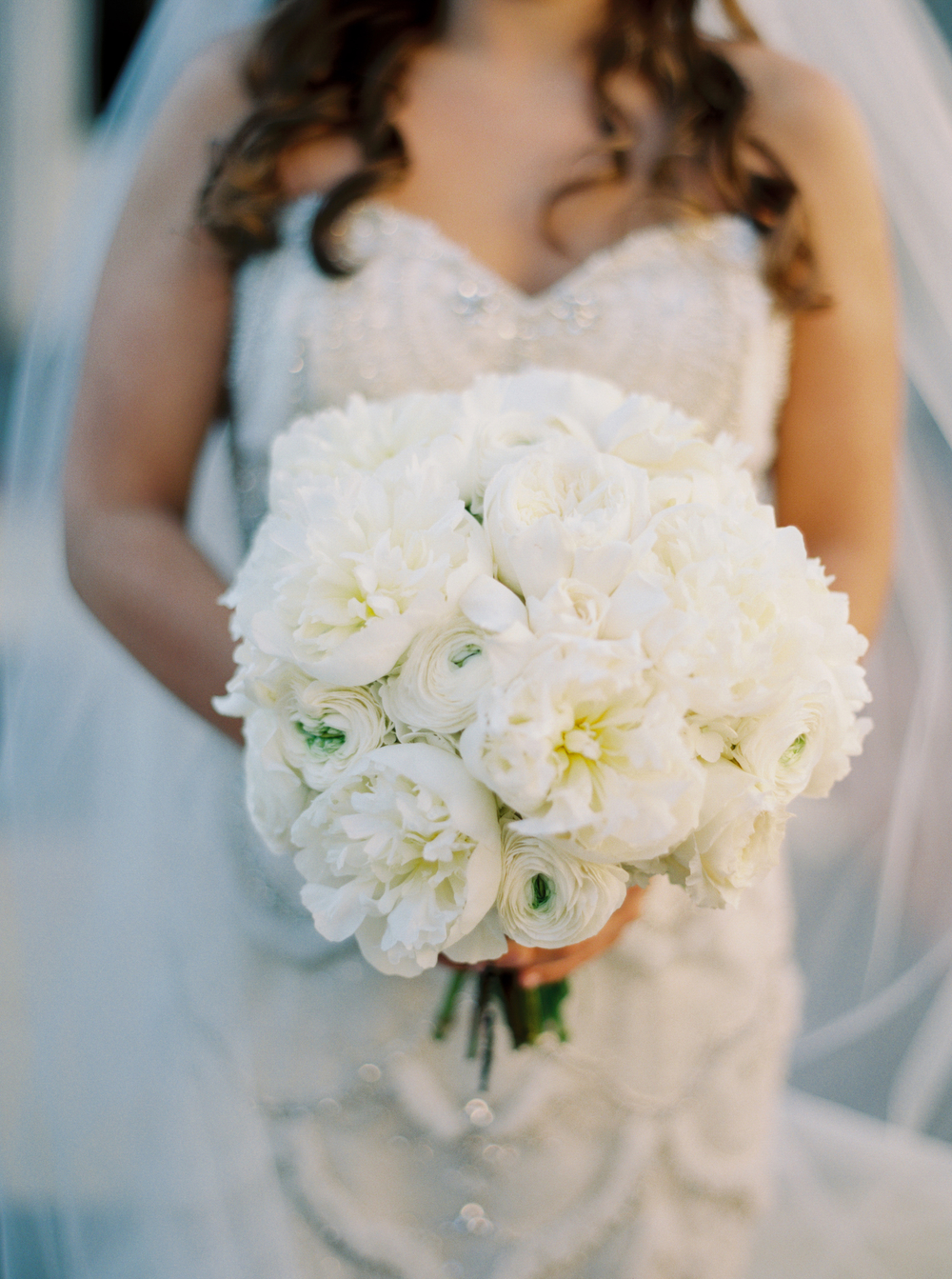 All white bouquet | How to transform an open ballroom with stunning decor | Sapphire Events | Greer G Photography | Board of Trade | White and Gold Wedding | Winter Wedding Inspiration | White and Green Wedding | Ballroom wedding