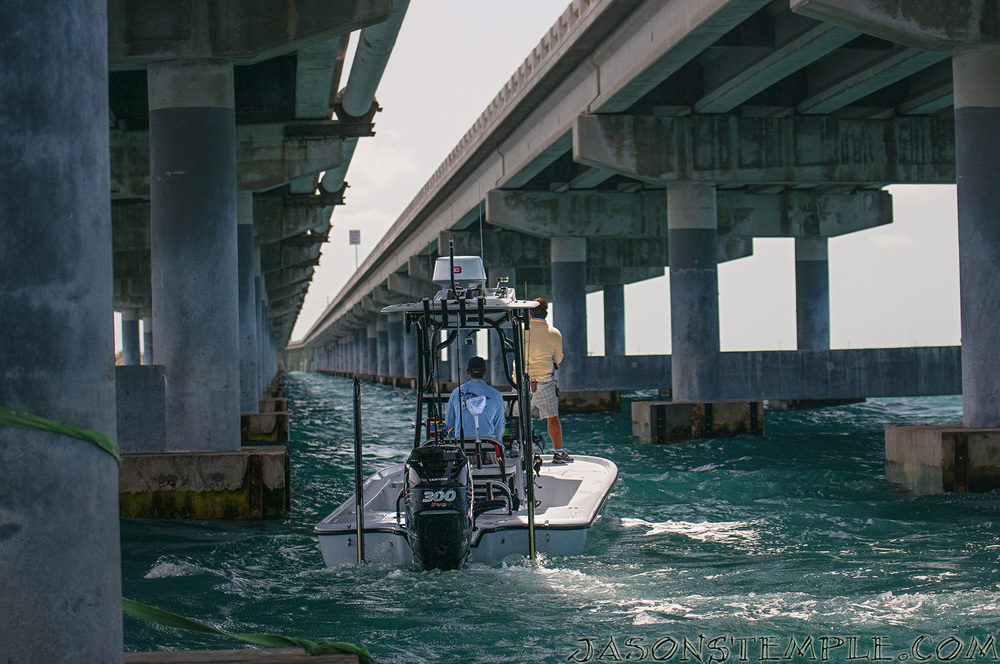 We step up to a larger boat style rod with much more lifting power paired with a larger 60-80 size reel for pulling large tarpon away from bridge pilings.