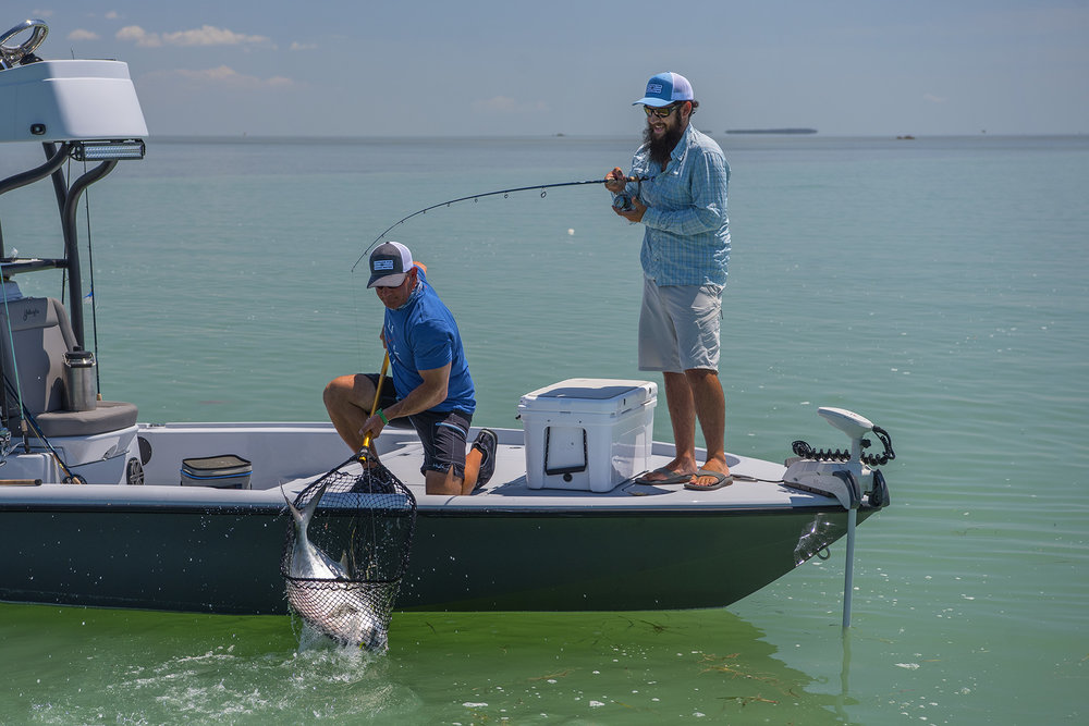 tom-rowland-lands-daniel-andrews-permit-on-saltwater-experience-fishing-show-in-the-florida-keys