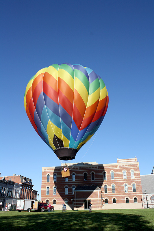 hot air balloon.jpg