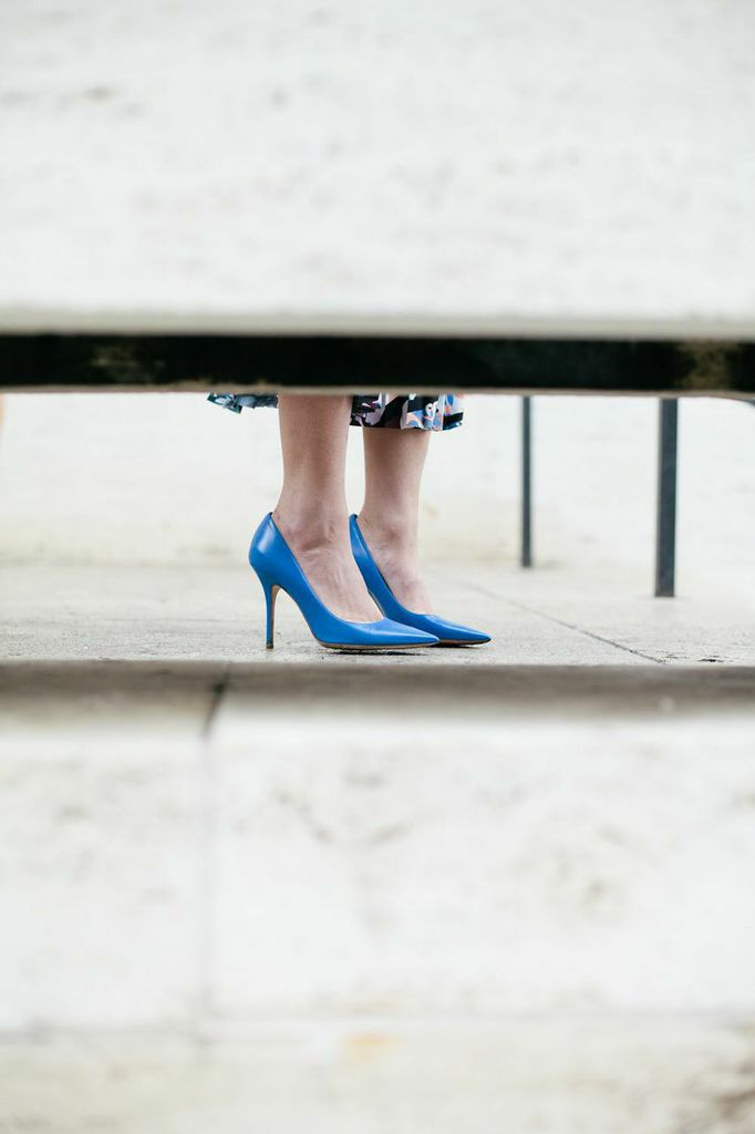 Blue pointy toe pump / The Shoe Diet