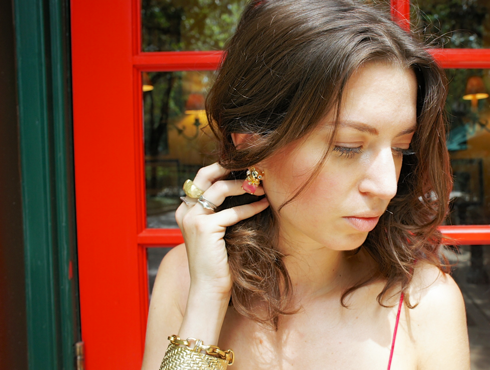 Details: rings by Claire Webb and cat earrings by Les Néréides
