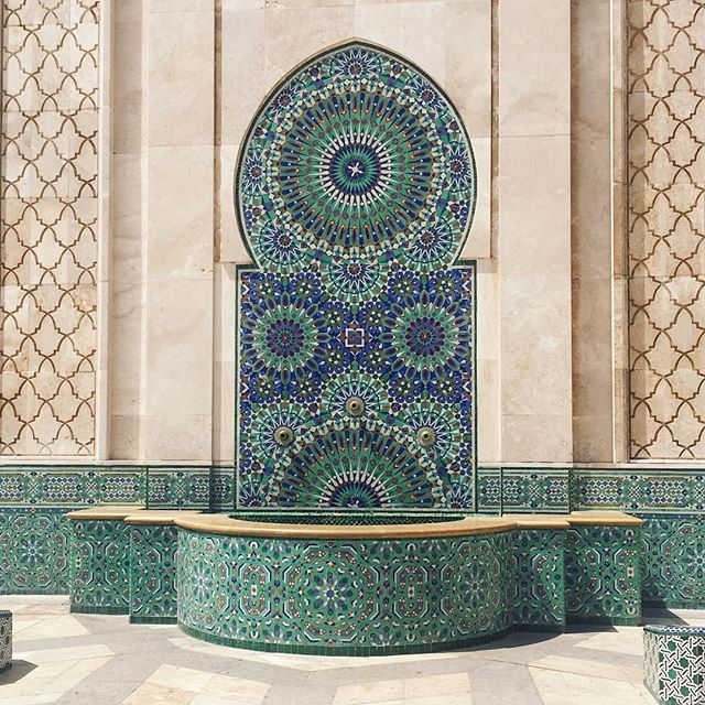 The beautiful architecture, colours and details on the Hassan II Mosque in Casablanca ⭐️