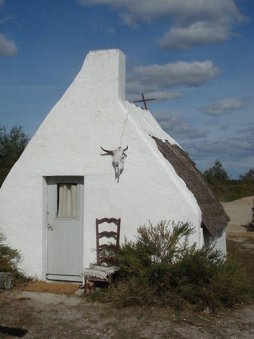 gypsylolita :     Bohemian Homes | Una capanna cowboy in Camargue, Francia.