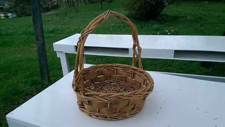 1. Pick out your basket - We provide you with picking baskets/buckets to carry your flowers (picking baskets are not for sale).