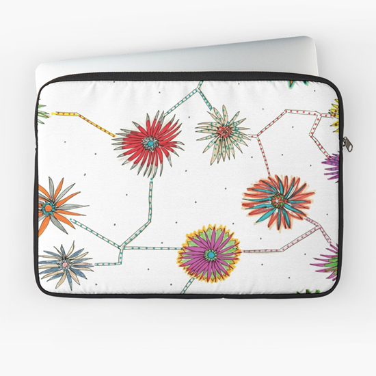 travelling daisy laptop sleeve