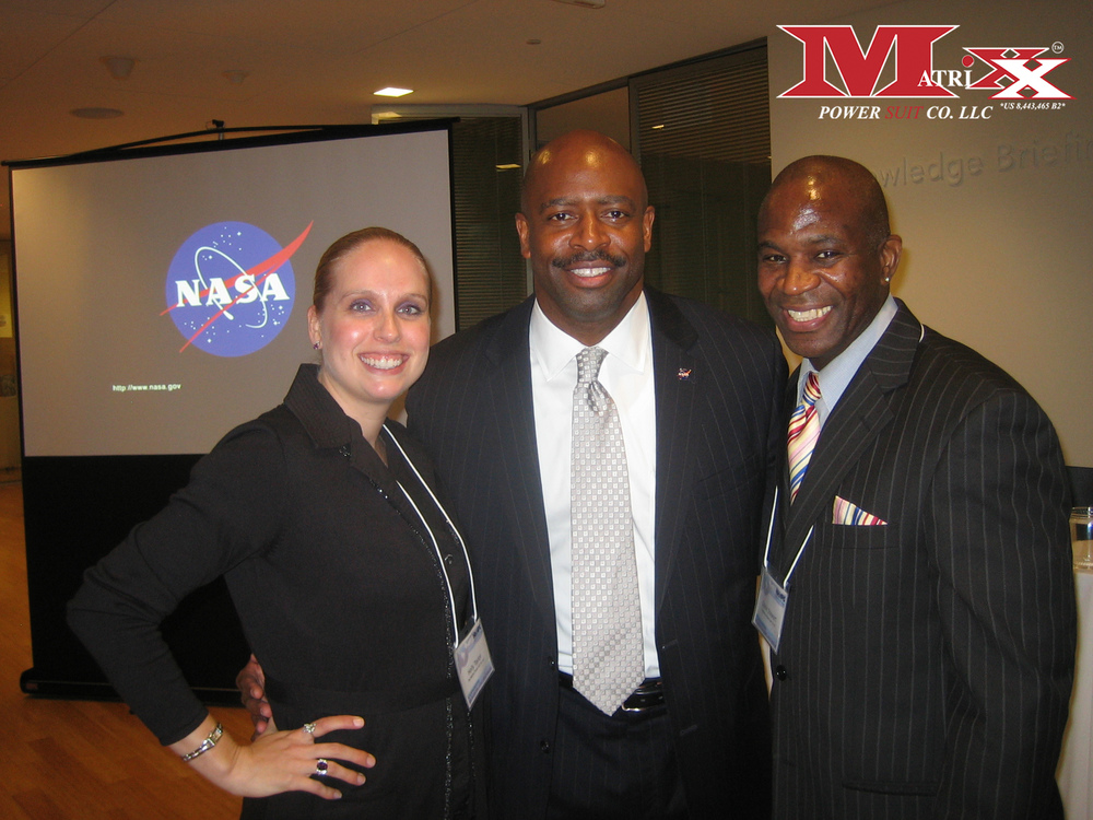 Calvin & Holly w Astronaut Leland Melvin @ NHHPC annual meeting 2013