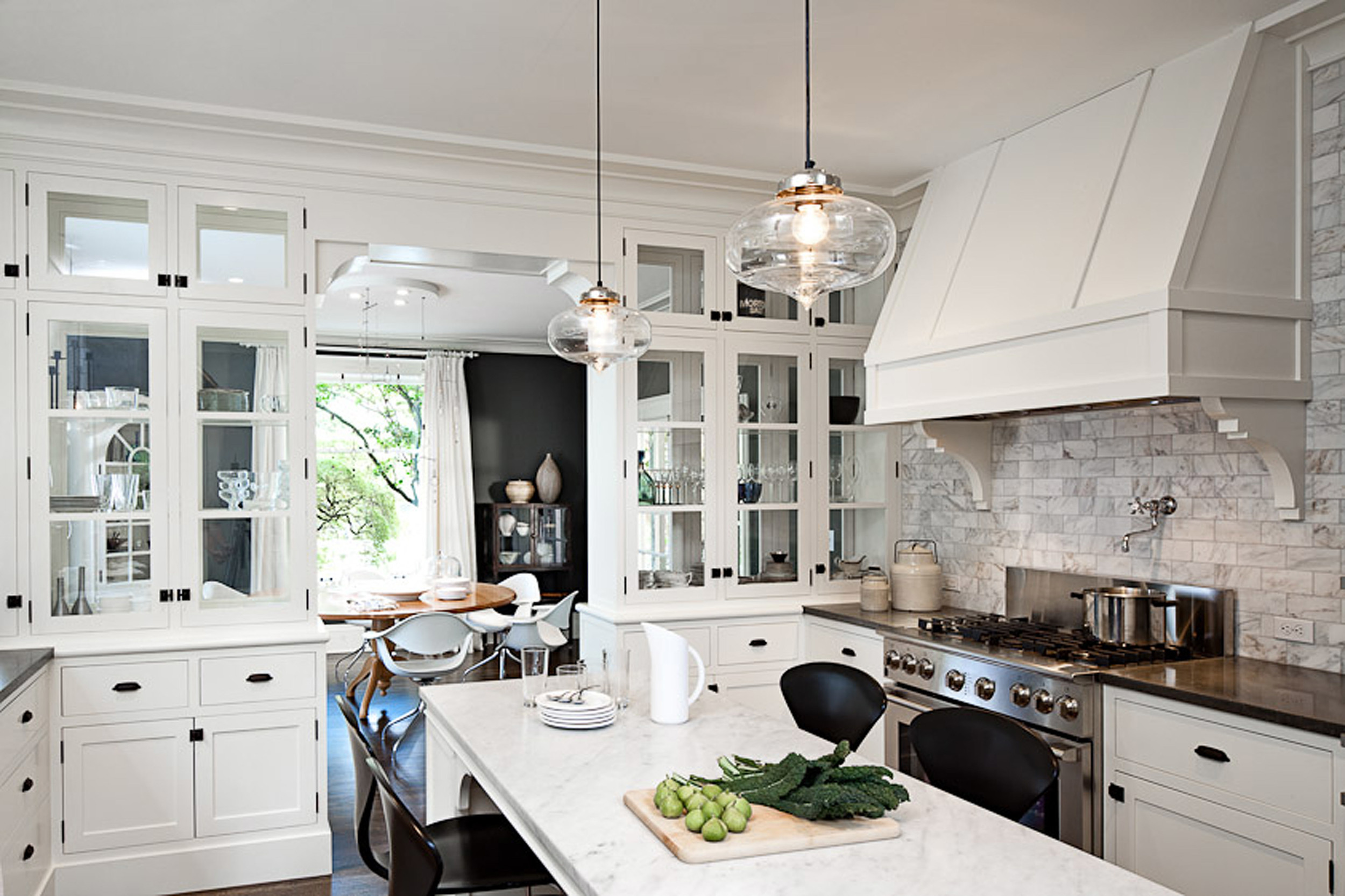 Pendant-Lighting-for-Kitchen-Island-with-white-cabinets-paint-colors