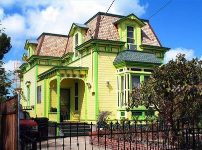 Green-and-yellow-color-ideas-for-outdoor-house-with-fascinating-architecture-exterior-designs-view
