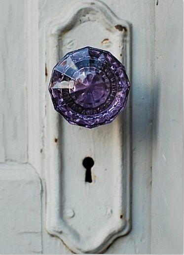 This crystal door knob makes a beautiful decorative statement. Imagine this striking knob not just on a door, but a nightstand or closet door!