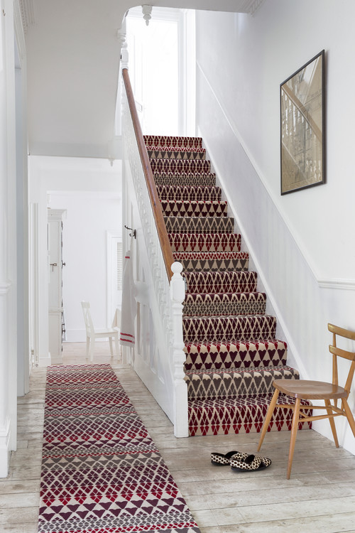 A runner is ideal for stairs, in halls and on landings, as well as in front of fireplaces and sofas or by the side of the bed.