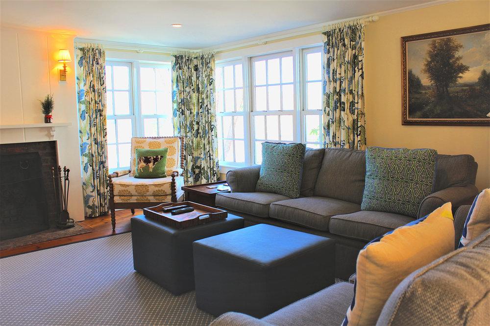 Deschutter Living Room.jpg