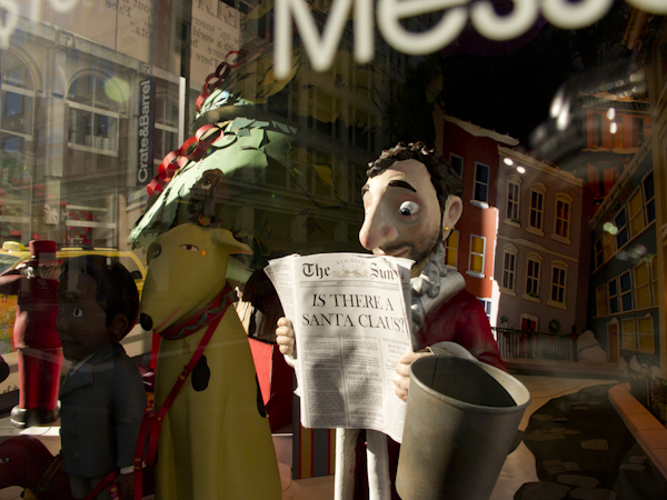Macy's Holiday Window Display. San Francisco, CA/ ©Stella Kalaw