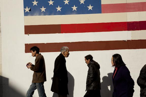 Passersby, San Francisco Chinatown./ ©Stella Kalaw
