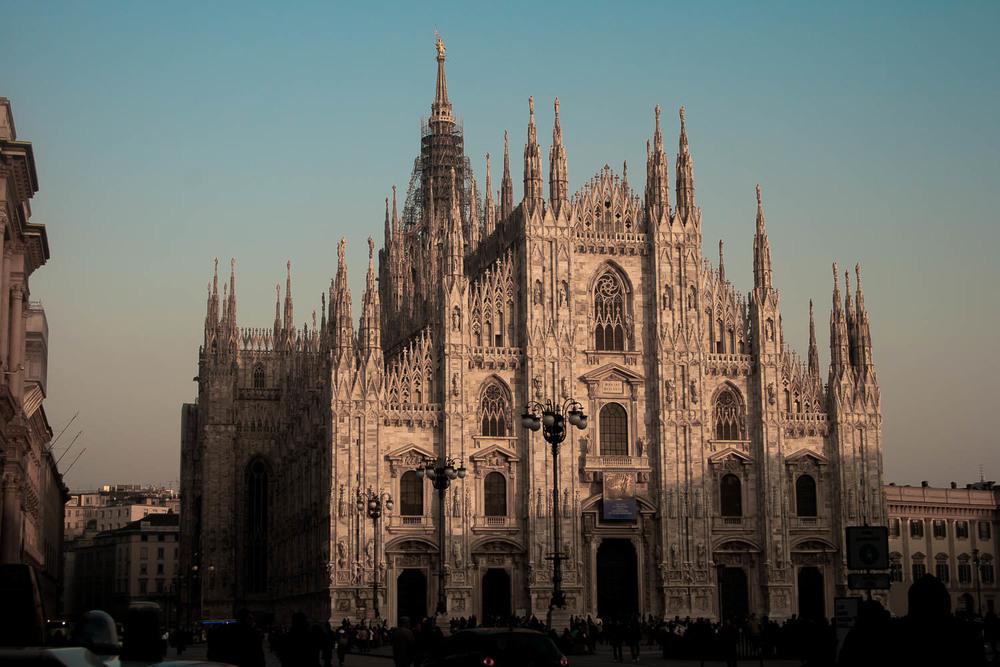 """Mailand -Italien   Elegant und Chic - Mailand ist nicht nur einer der größten Mode-metropolen der Welt mit den exklusivsten Designerboutiquen sondern bietet auch Kunst und Kultur wie von Leonardo da Vincis Fresco """"Das Abendmahl""""."""