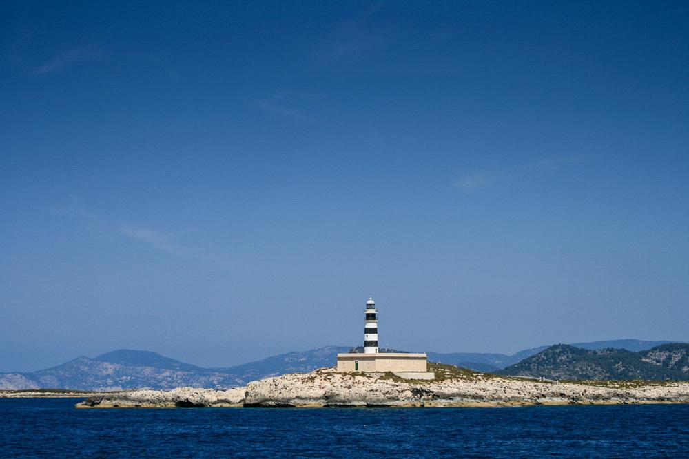 Formentera -Spanien   Formentera, die kleinste und für viele Besucher zugleich die schönste Insel der Balearen. Weicher heller Sand, das kristallklare Wasser leuchtet türkis. Die Strände Formenteras gehören zu den schönsten am Mittelmeer!